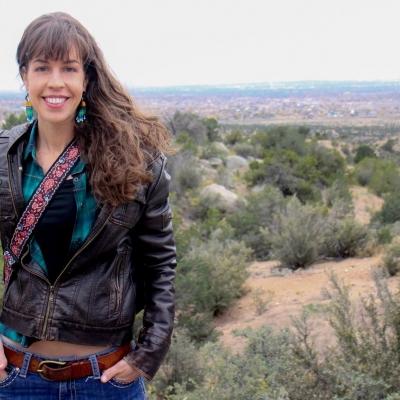 Musica Buena Gallery Concert - Lara Manzanares
