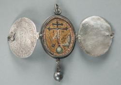 Locket with Inquisition emblem