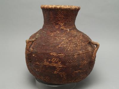 Western Apache Tus (water jar)