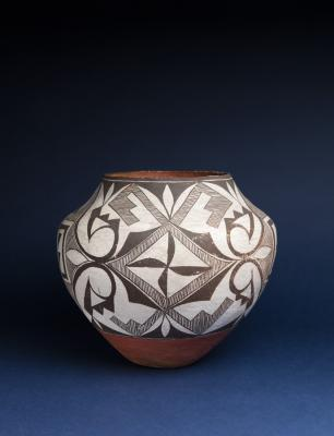 Acomo or Laguna Pueblo pot, 1900