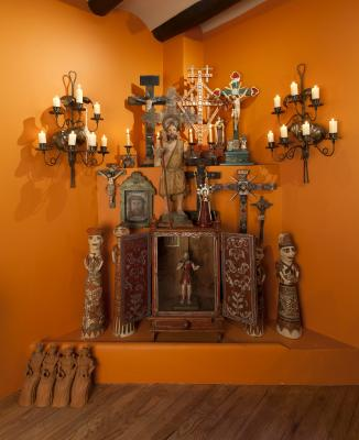 2- MOIFA_Espinar_01: Fireplace display in the home of Judith Espinar