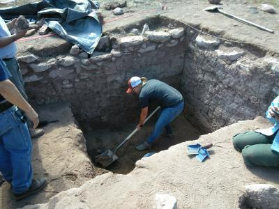 Excavation inside Giusewa Pueblo.  Photo by Ethan Ortega