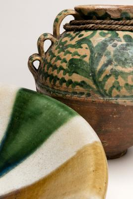 2-MOIFA_Espinar_20:  Details of bowl (Japan), late 1980s, and jar (Ecuador), early 20th century, ceramic. Photo: Addison Doty