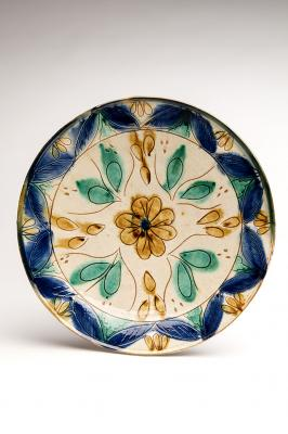 2-MOIFA_Espinar_26:  Plate (Spain or Portugal), early 2000s, ceramic. Photo: Addison Doty