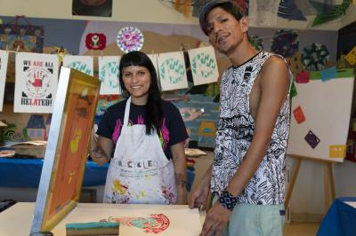 2-MOIFA-Gallery of Conscience ::Carol Fernandez and Fernando Castro of Amapolay at the Street Art and Activism screen printing workshop at MOIFA, June 26th, 2018   Photographer: Chloe Accardi