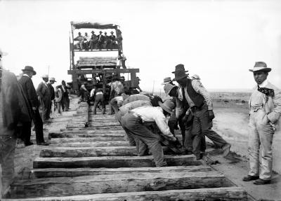 19-NMHM_Railroads-Track Laying