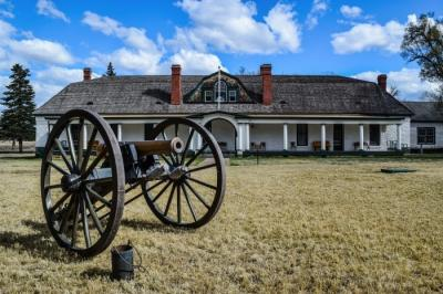 25-Fort Stanton Cannon and building