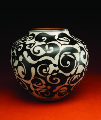 black & white pot, Lisa and Harlan Reano