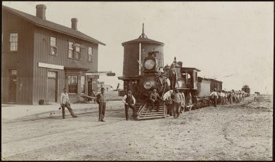 19-NMHM-Railroads-Railroad depot Engle NM